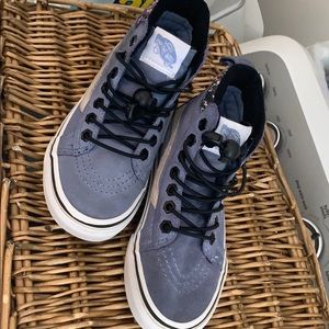 Girls 13.5 all wether vans
